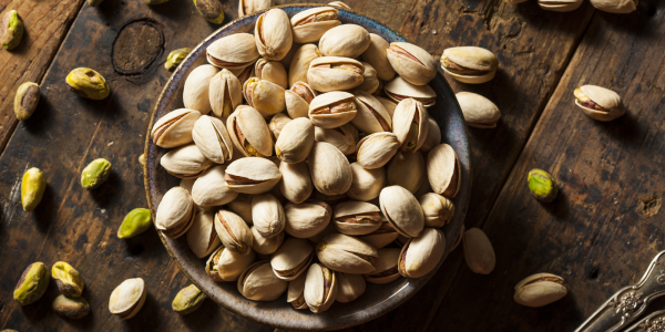 Raw pistachio nuts