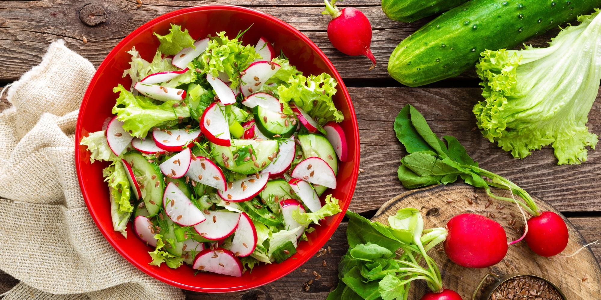 Green salad, radishes and cucumbers