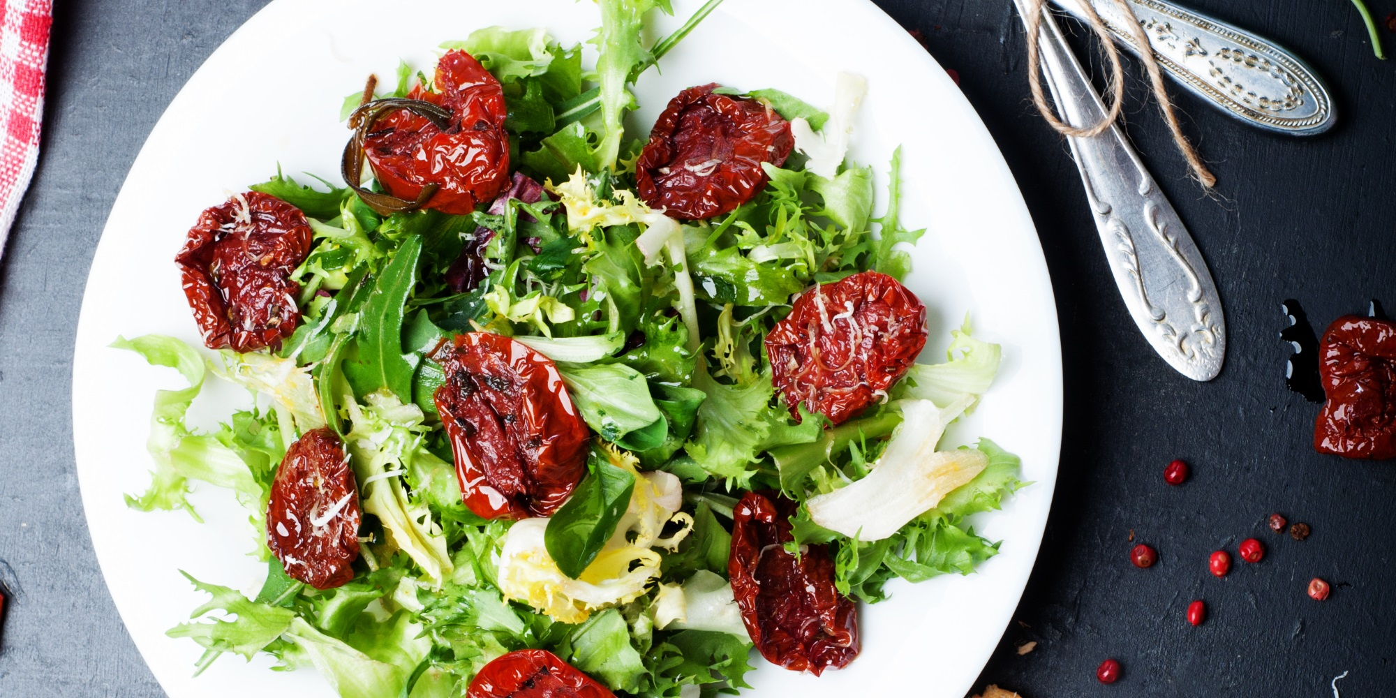 Iceberg lettuce and dried tomatoes