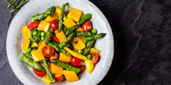 Asparagus, cherry tomatoes, yellow bell peppers